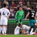 Ngoại hạng Anh xác định được đội thứ hai xuống hạng