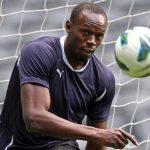 Usain Bolt ký hợp đồng bóng đá chuyên nghiệp