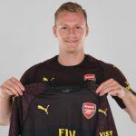 Arsenal hoàn tất hợp đồng với thủ môn tuyển Đức