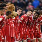 Lewandowski ghi hat-trick, cán mốc 100 bàn ở Bundesliga cho Bayern