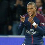 Mbappe lập cú đúp, PSG thắng trong thế 10 người ở Ligue I