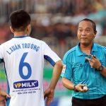 Trọng tài thổi phạt đền HAGL dừng làm việc ở V-League 2018