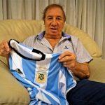 Cựu HLV Argentina muốn CĐV gây áp lực với Messi và đồng đội