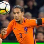 Trung vệ trị giá 100 triệu đôla làm đội trưởng Hà Lan
