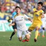 HLV của SLNA kêu ca cầu thủ quá tải vì tuyển Việt Nam