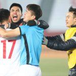 Cầu thủ Việt Nam vừa khóc vừa cười sau khi quật ngã Qatar