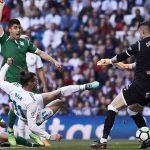 Real rút 10 cầu thủ khỏi đội hình chính, vẫn thắng ở La Liga