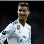 Ronaldo: 'Đừng so sánh tôi với Salah'
