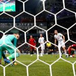 Mourinho đau lòng khi nói về sai lầm của De Gea