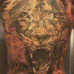 Ibrahimovic thêm hình xăm sư tử trên lưng