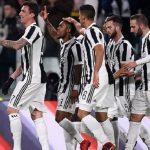 Juventus hạ Genoa, bám sát Napoli ở Serie A