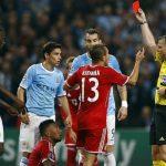 Trọng tài trận Bayern - Real từng rút hai thẻ đỏ cho chủ nhà
