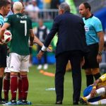 Layun: 'Nếu muốn nằm xuống, Neymar nên về nhà và ngủ'