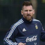 Messi sắp tập luyện trên sân của Real Madrid
