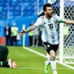 Umtiti: 'Là thiên tài, Messi cũng không thể tự làm mọi thứ'