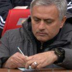 Chỉ thị qua giấy của Mourinho giúp Man Utd đánh bại Liverpool
