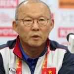 HLV Park Hang-seo: 'Tôi chưa thể sánh với Guus Hiddink'