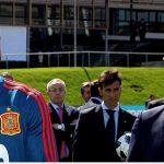 Pique phải ngăn Ramos xung đột với Chủ tịch LĐBĐ Tây Ban Nha