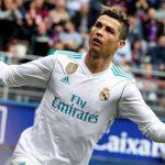 Messi nghỉ đá, Ronaldo rút ngắn cách biệt tới ngôi Vua phá lưới