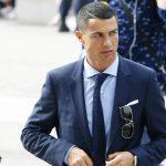 Ronaldo bị buộc phải nộp phạt 33,6 triệu đôla vì trốn thuế