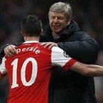 Van Persie và Fabregas tri ân 'người cha' Wenger