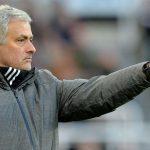 Mourinho khen đối thủ 'chiến đấu như con thú'