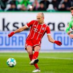Robben đá hỏng penalty, Lewandowski giải cứu Bayern ở phút cuối
