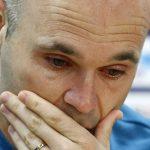 Iniesta rơi lệ khi thông báo chia tay Barca