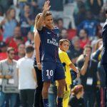 Cha Neymar: 'Con tôi không muốn làm sự thay thế cho Messi'