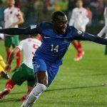 Pháp thắng sát nút Bulgaria, giữ ngôi đầu bảng A