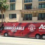 Mourinho không cho in hình cầu thủ lên xe buýt của Man Utd