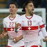 Thụy Sỹ thắng sân khách nhờ quả phạt đền tranh cãi