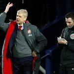Wenger bị cấm chỉ đạo ba trận vì chỉ trích trọng tài