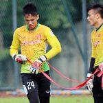 HLV Hữu Thắng loại ba cầu thủ U22 Việt Nam trước thềm SEA Games