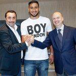 Donnarumma ký mới với Milan, nhận lương cao hơn Buffon