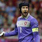 Cech muốn Arsenal đi theo con đường của Chelsea ở Europa League