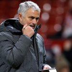Man Utd trì hoãn đàm phán hợp đồng mới với Mourinho