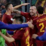 Roma hạ Lazio bằng hai bàn ghi trong bốn phút
