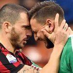 AC Milan bảo vệ Donnarumma trước sức ép từ CĐV