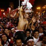 Màn reo mừng của CĐV Peru bị nhầm là động đất