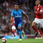 Walcott lập cú đúp trong trận thắng đậm của Arsenal
