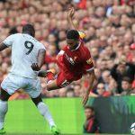 Gary Neville: 'Liverpool và Man Utd đều dựng xe buýt trước khung thành'