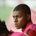 Monaco lại loại Mbappe khỏi đội hình, chuẩn bị bán cho PSG
