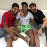 Messi, Neymar phối hợp trên mạng xã hội để chọc đùa Pique