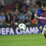Messi sút phạt ghi bàn, Barca đặt một chân qua vòng bảng Champions League