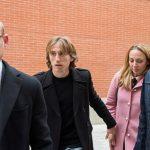 Vợ chồng Modric ra tòa vì cáo buộc trốn thuế