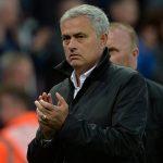 Mourinho chê Man Utd dậm chân tại chỗ thời Moyes và Van Gaal