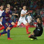'Chân gỗ' Alcacer lập cú đúp, Barca nâng cách biệt với Real lên 11 điểm