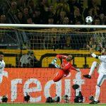 Ramos thừa nhận chạm tay vào bóng trong vòng cấm