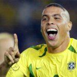 Ronaldo loại CR7 khỏi đội hình hay nhất mọi thời đại
